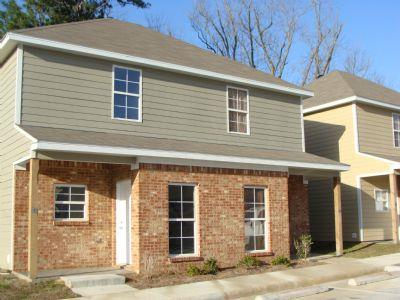 Magnolia Townhomes Apartment In Hattiesburg Ms