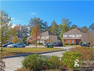Pine Creek Townhomes apartment in Hattiesburg, MS